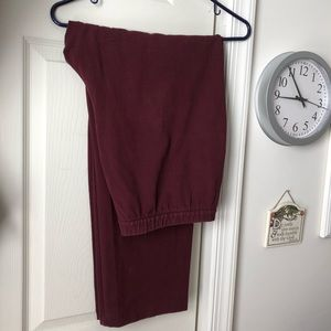 16 W/P Lands' End bordeaux stretchy pants